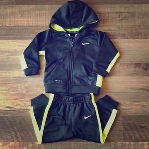 Nike Dri Fit Boys Athletic Track Outfit Size 18m